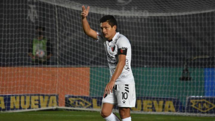 Colón y Racing jugarán la final de la Copa de Liga Argentina