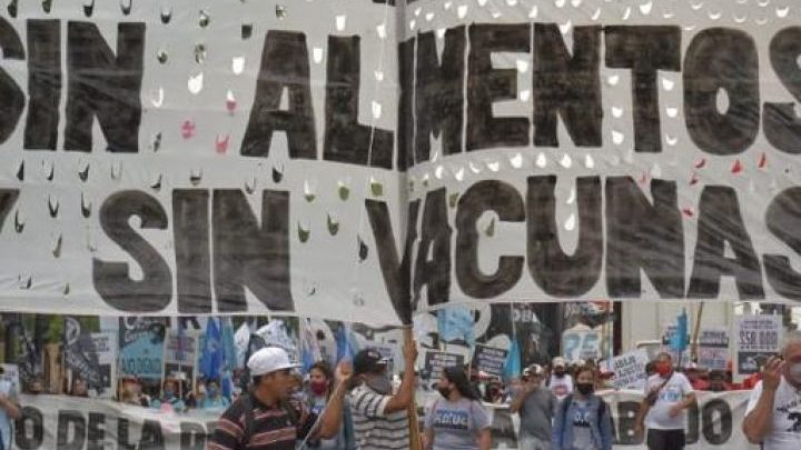 Masiva movilización de organizaciones sociales reclaman al gobierno por aumento de la pobreza