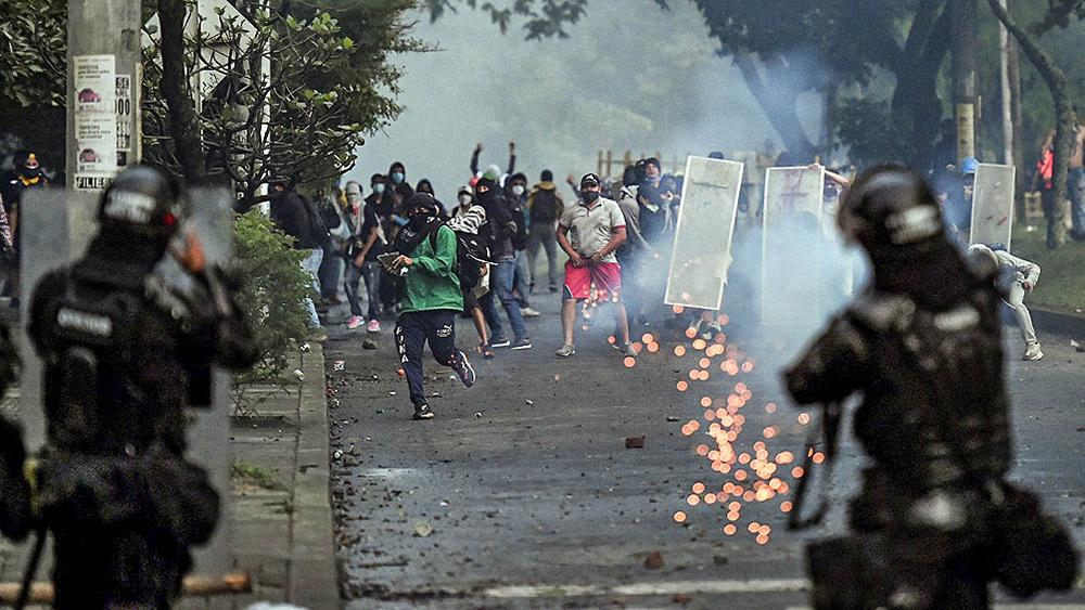 Rebelión de los nadies y masacre para-estatal en Colombia