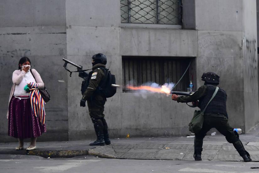 Armas y municiones para Bolivia: una puntada más en el tejido de la conspiración