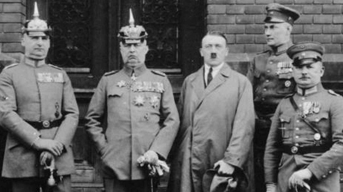 Un tal Hitler comienza a emerger