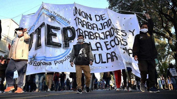La marcha de San Cayetano. Peregrinaje hasta la sede de un poder ajeno