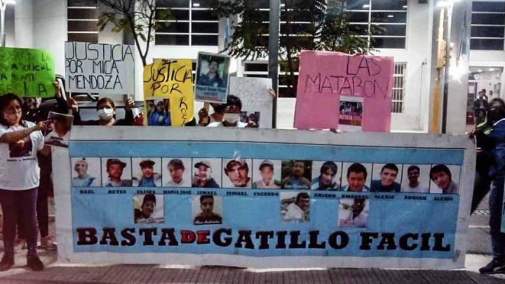 Firmeza de las familias de las chicas muertas en la Brigada de Tucumán