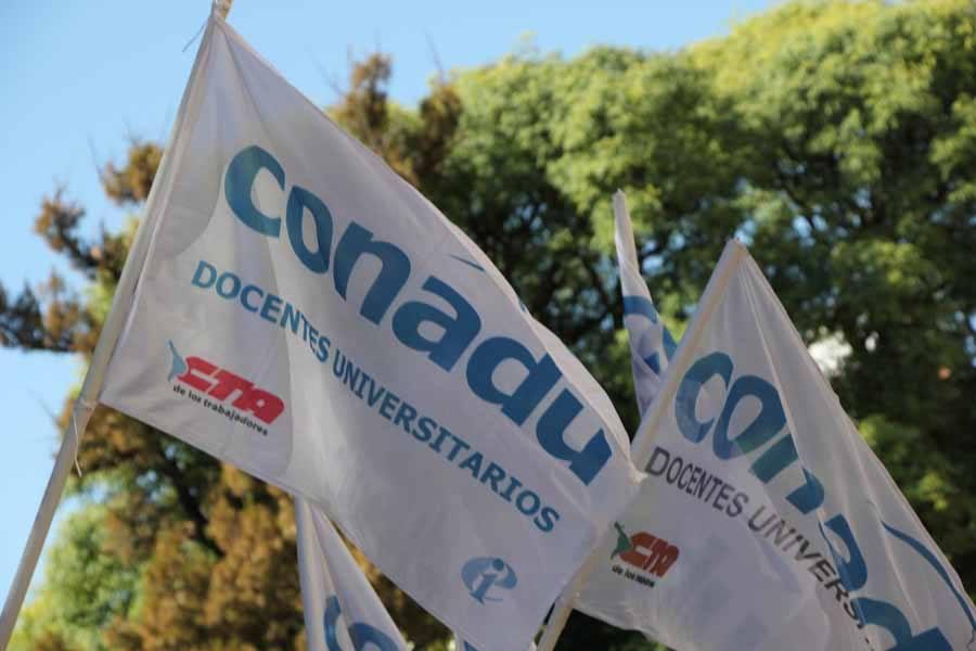 La conducción burocrática de CONADU avanza contra la democracia sindical