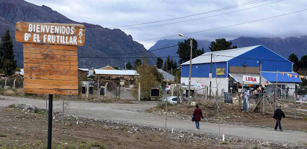 Reprimen a familias en Bariloche