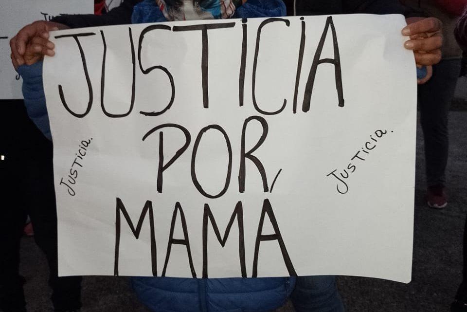 Se movilizan en Tucumán por las mujeres muertas en Brigada policial